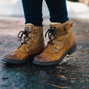 """Ugg Australia """"Cecile"""" Winter Lined Duck Boot Sz 7"""